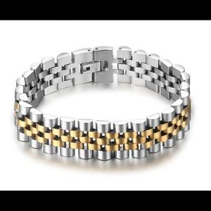 Other - Luxury Gold Color Stainless Steel Bracelet